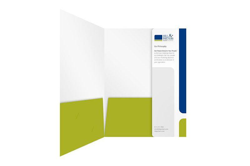 Mẫu folder với thông tin được in trên tay gấp