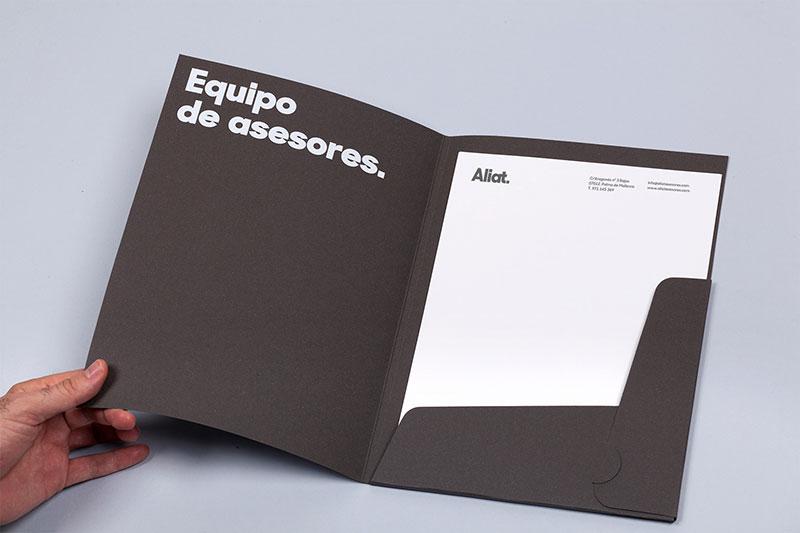 mẫu folder kích thước 210 * 297mm
