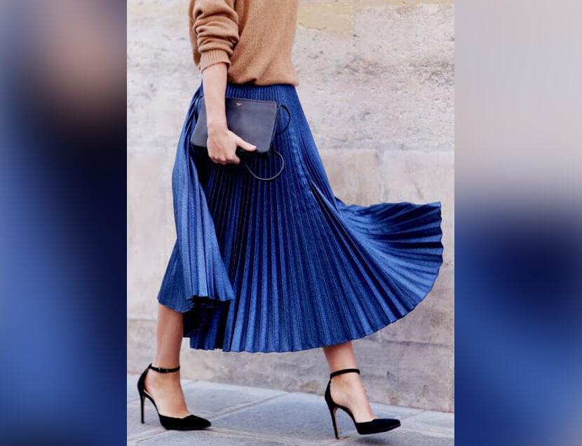 Bộ thiết kế thời trang với màu của năm 2020 clasic blue