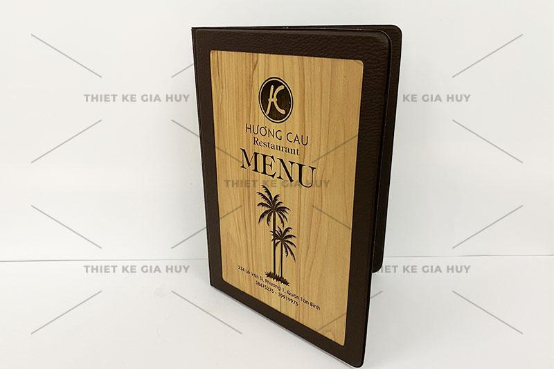 mẫu menu nhà hàng với chất liệu gỗ cao cấp